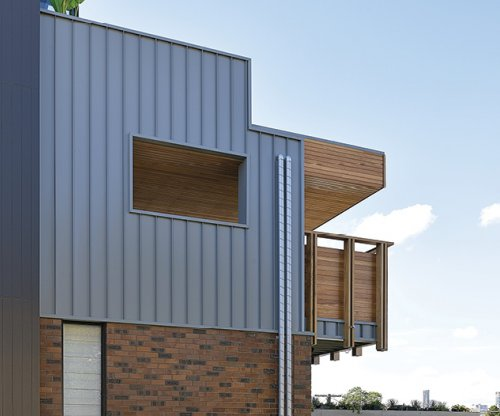 Stylish LYSAGHT ENSEAM™ Cladding Creates Fabulous Features on Prestige Home