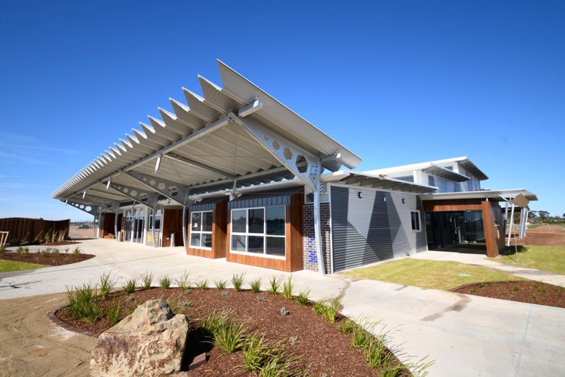 Steeline: St Anne's Catholic School, Kialla